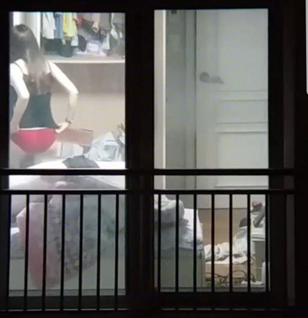 窓やカーテンをちゃんとシメない結果とられた民家盗撮-002
