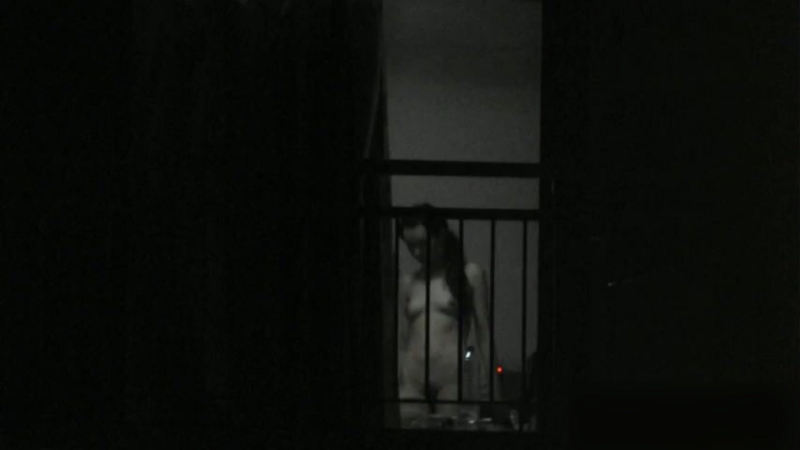 窓やカーテンをちゃんとシメない結果とられた民家盗撮-013