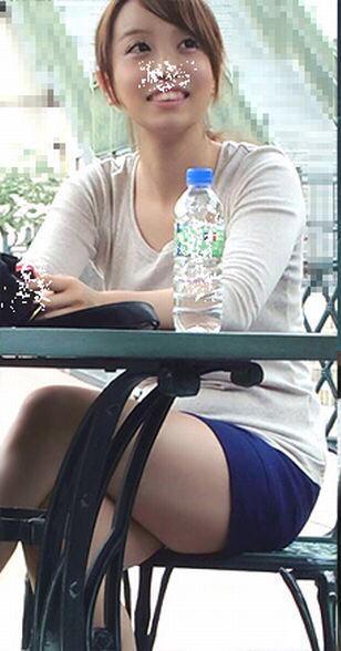 ミニスカート女子の街撮り素人エロ画像-012