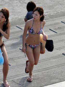 一般人女性の水着姿の素人エロ画像-058