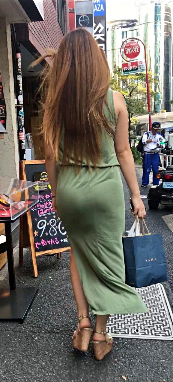 タイトスカートのお尻がエッチな素人エロ画像-052
