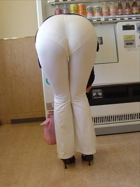 お尻がエッチな女性の素人エロ画像-028