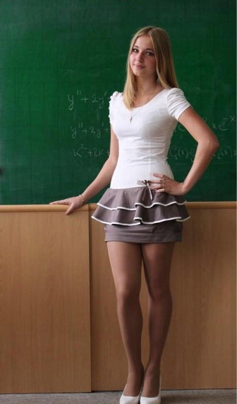 北欧・東欧の女性教師の素人エロ画像-014