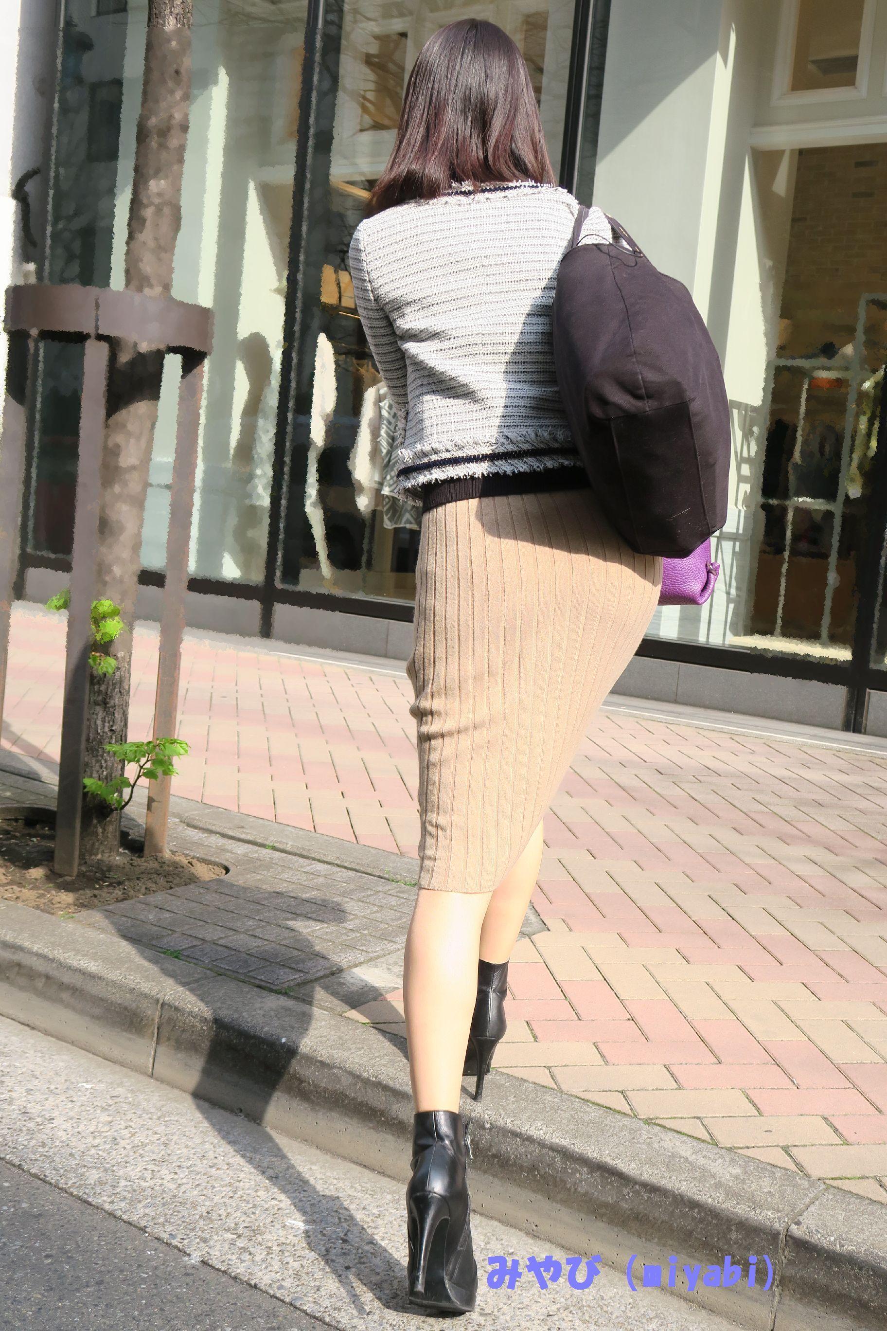 スカートのお尻の街撮り素人エロ画像-043