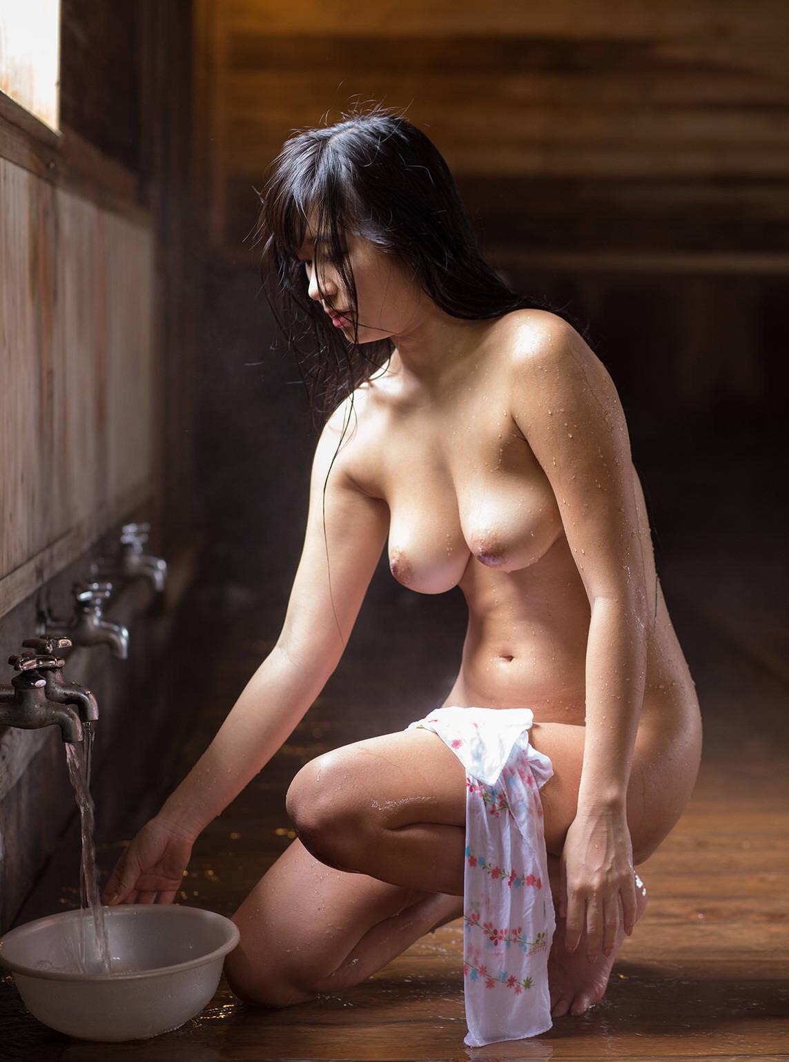 エッチな身体の女性たちの素人エロ画像-616
