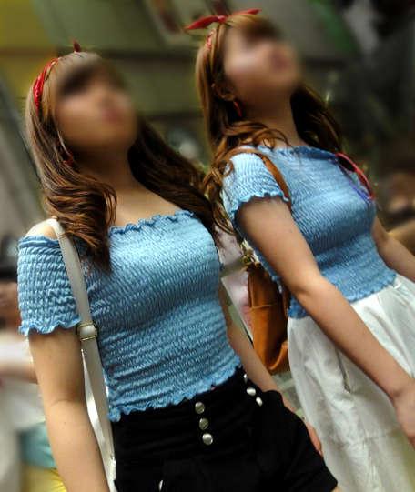 着衣巨乳おっぱい素人エロ画像15