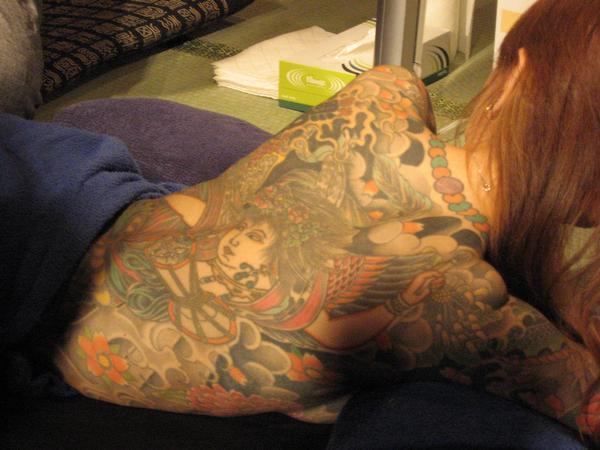 タトゥーの素人エロ画像13