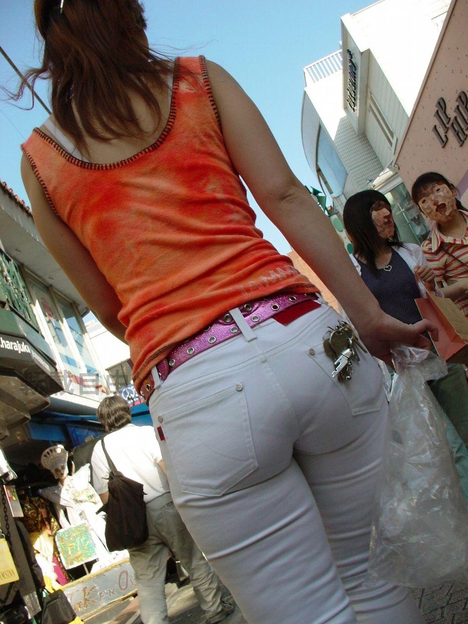 ミニスカやピタパンのパツパツお尻の街撮り素人エロ画像3