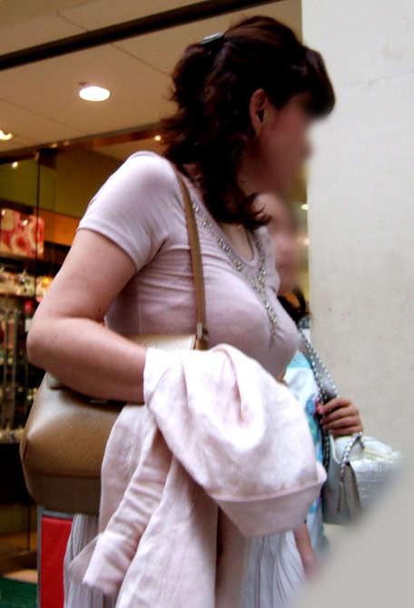 着衣巨乳おっぱい素人エロ画像16