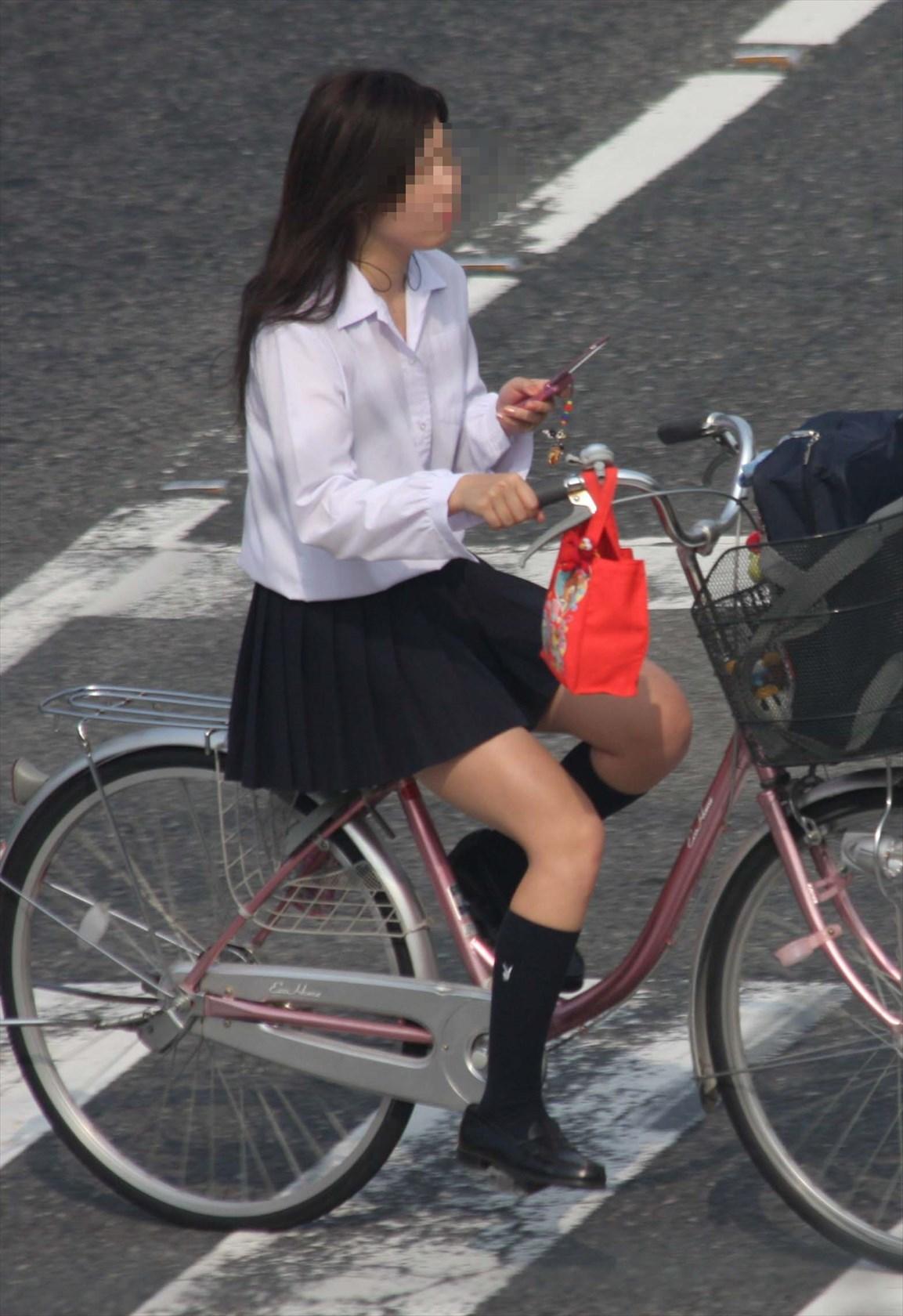自転車JKの街撮り素人エロ画像06