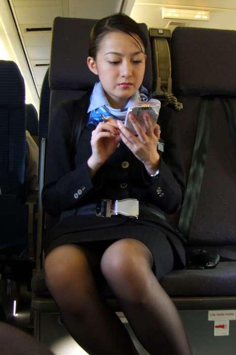 キャビンアテンダントのお姉さんを盗撮した素人エロ画像09