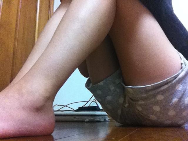 ショートパンツや下着姿やノーパンで下半身を自撮りする素人エロ画像7