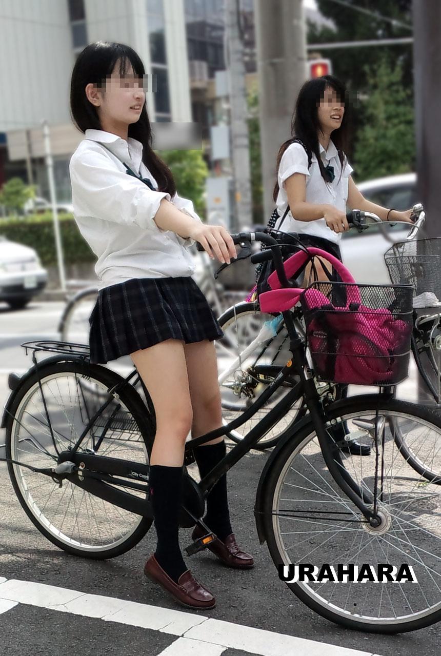 自転車JKの街撮り素人エロ画像13