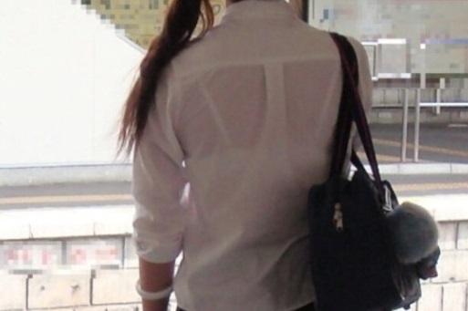 夏服JKの素人エロ画像1