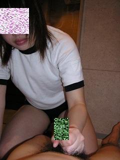 素人カップルの手コキ足コキエロ画像2