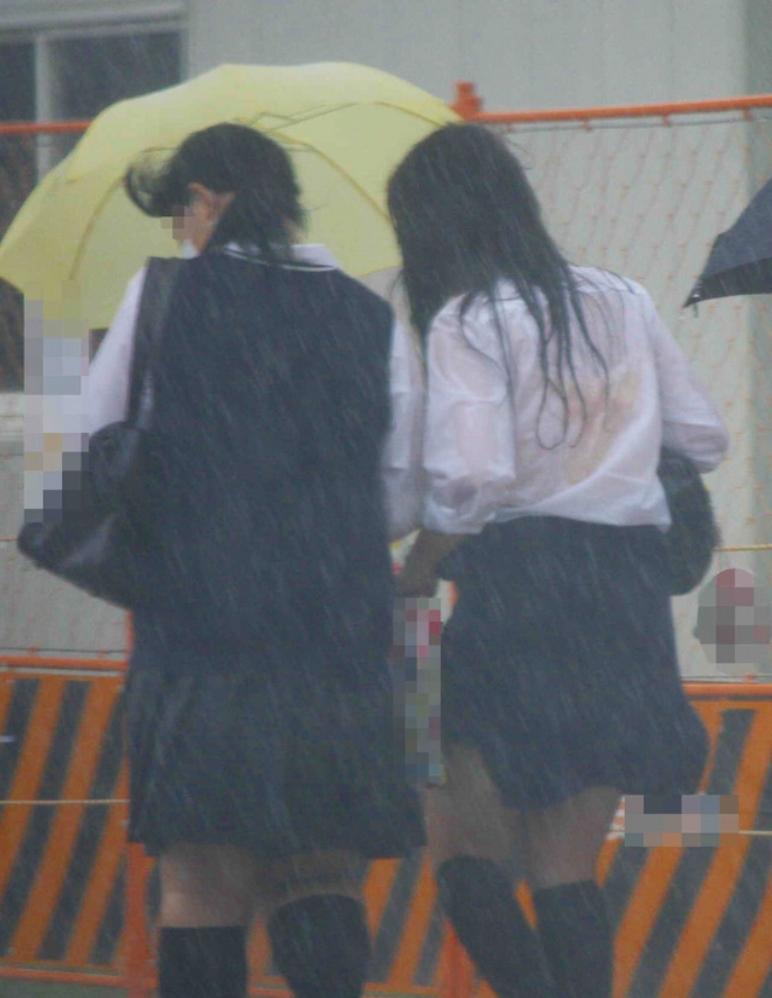 雨の日のJK街撮り16