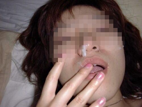 素人なのに顔射しちゃうセックスハメ撮りエロ画像22
