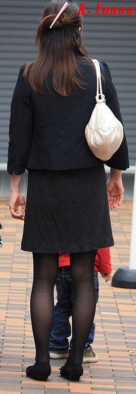 子連れ若ママの後ろ姿の街撮り素人エロ画像3