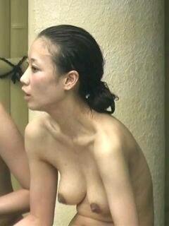 露天風呂の入浴女子素人エロ画像15