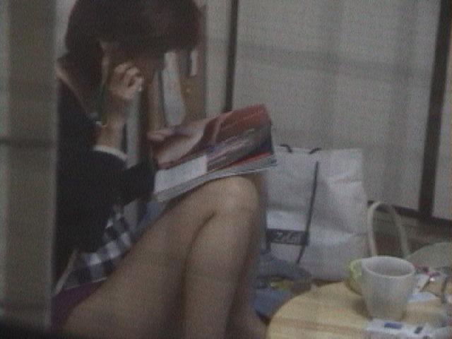 女性の部屋を狙った民家盗撮素人エロ画像15