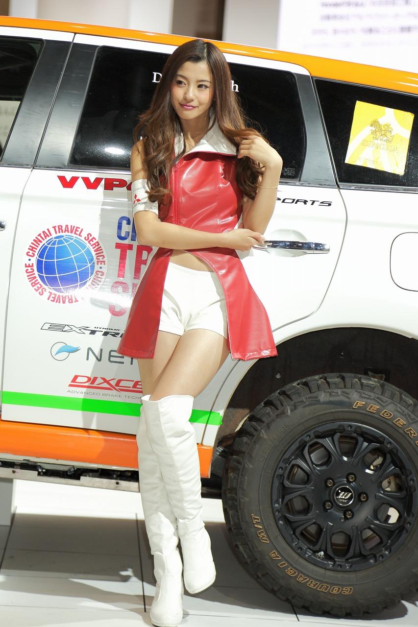 東京モーターショー2015・コンパニオンお姉さんのエロ画像42