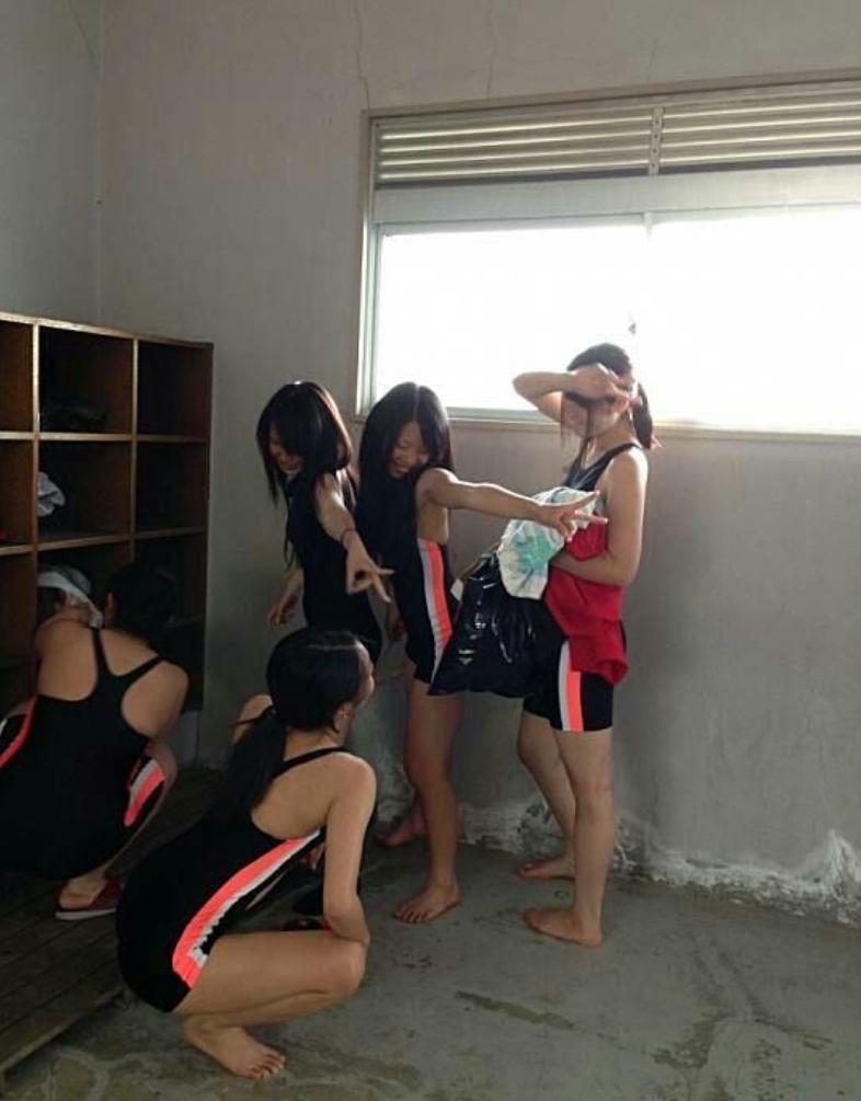 水泳部の競泳水着盗撮素人エロ画像19