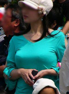 大きくてエッチな着衣おっぱい街撮り素人エロ画像23