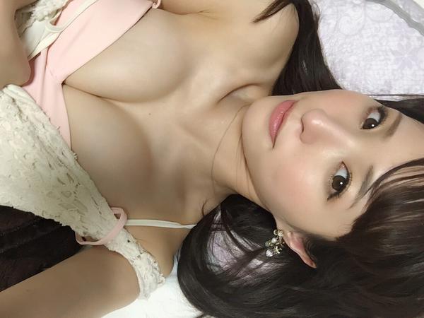 おっぱいがHで可愛いAV女優・天使もえちゃんの自撮りエロ画像12