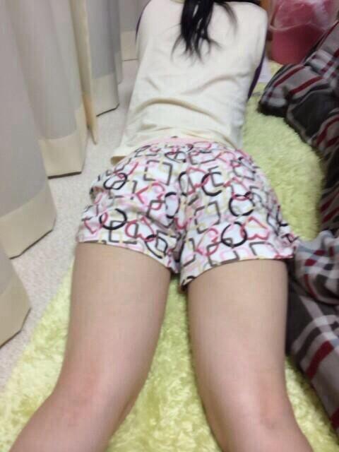 部屋着女子の素人エロ画像3