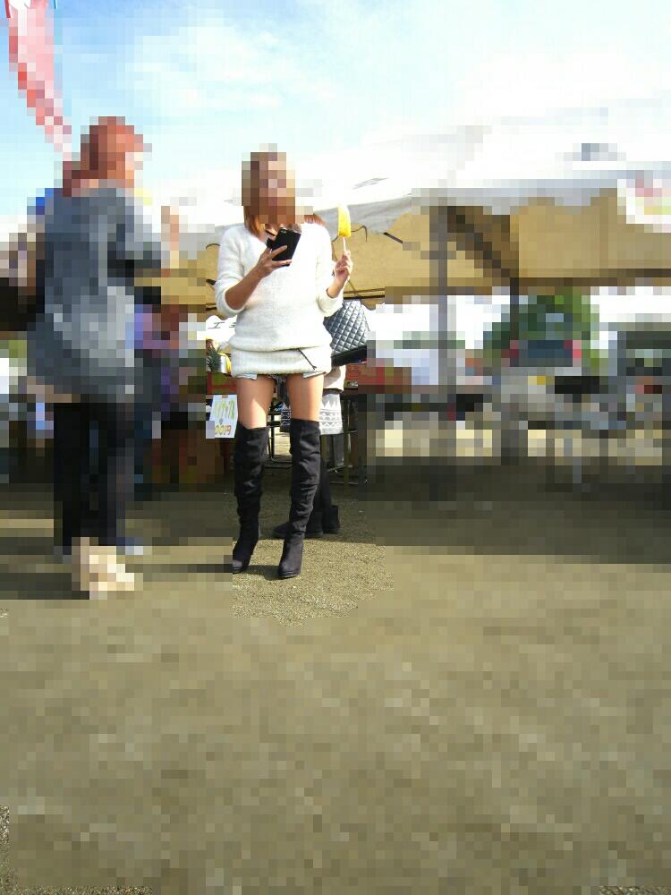 ブーツギャルの街撮り素人エロ画像11