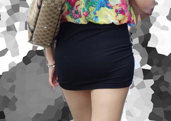 タイトスカートお尻街撮り素人エロ画像1