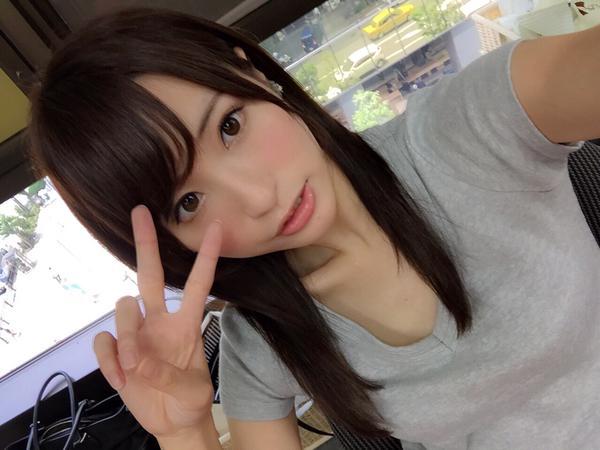 おっぱいがHで可愛いAV女優・天使もえちゃんの自撮りエロ画像26
