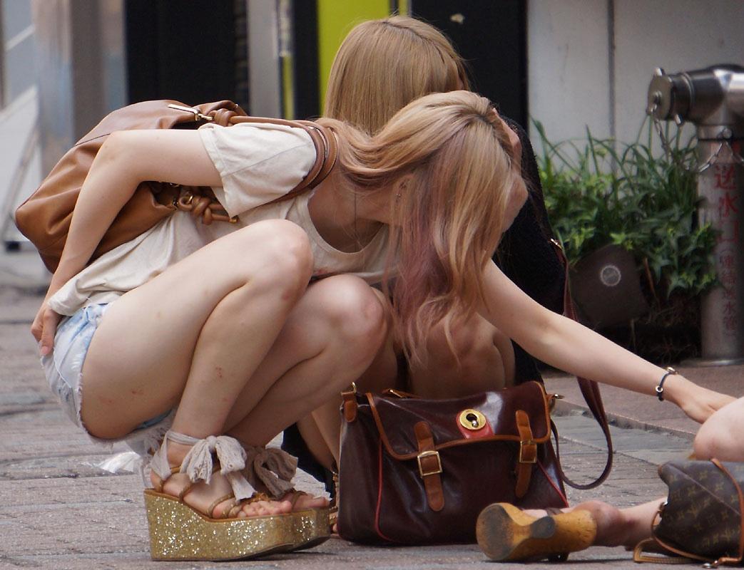 デニムショーパンギャルの街撮り素人エロ画像10