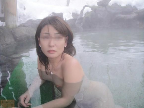 混浴全裸入浴の素人エロ画像15