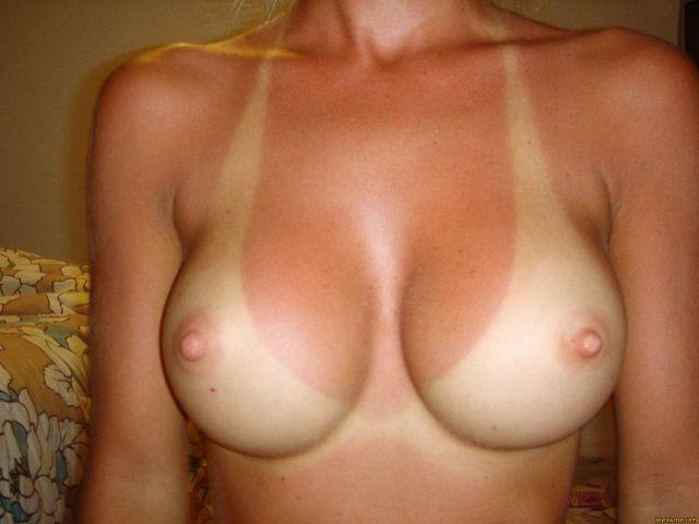 ビキニの日焼け跡がエロさを激増させるおっぱいのエロ画像17