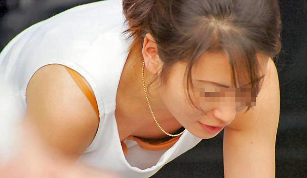 胸チラおっぱい素人エロ画像11
