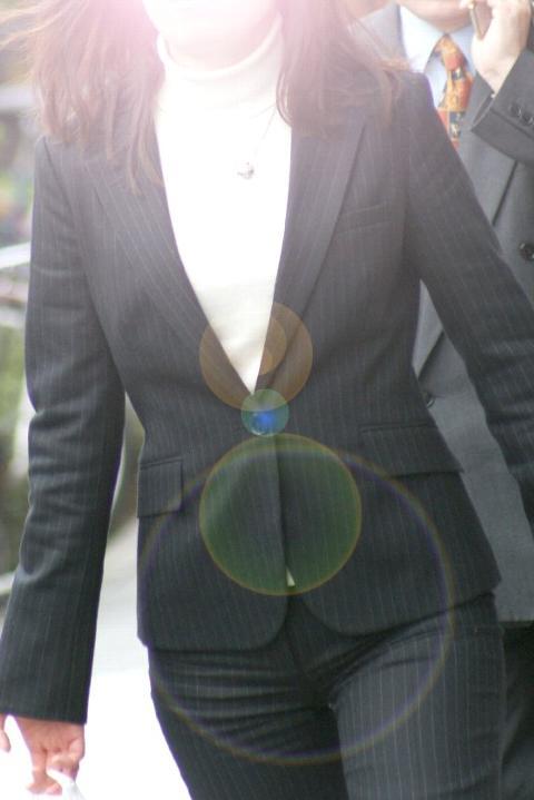 ピタパンやジーンズの股間街撮り素人エロ画像16