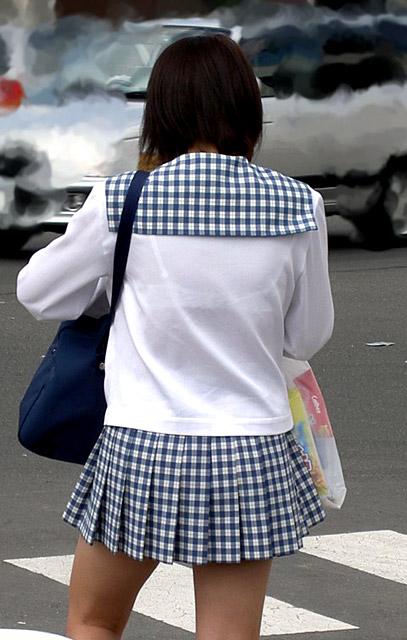 女子校生の透けブラ街撮り素人エロ画像13