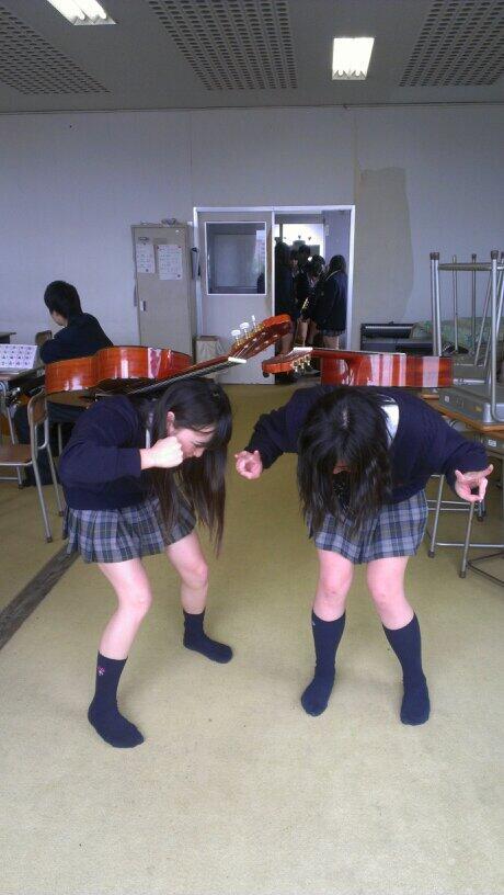 素人JK学校内撮りおふざけエロ画像11