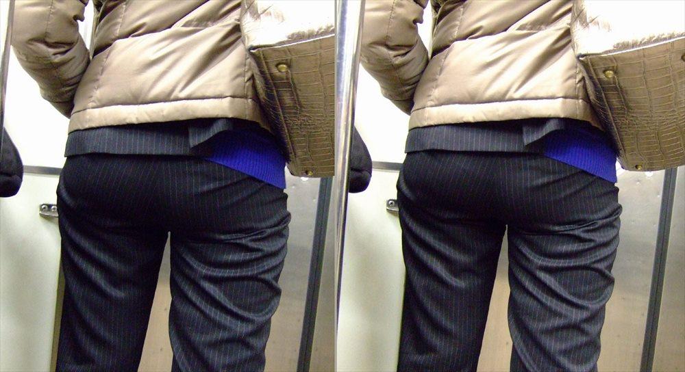 パンツスーツのお尻街撮り素人エロ画像3