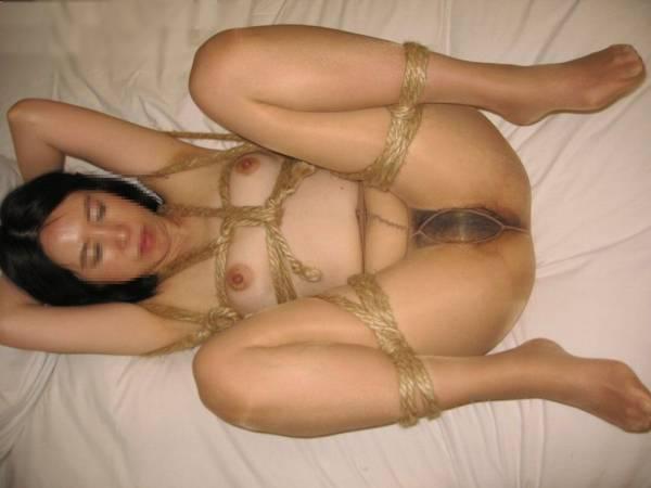 ロープで縛られている素人SM調教エロ画像5