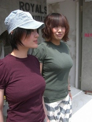 夏服女性の着衣おっぱいを街撮りした素人エロ画像-059