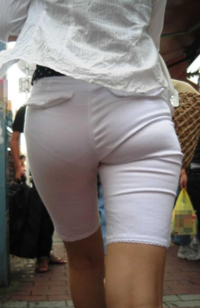 白パンツ透けパン街撮り素人エロ画像19