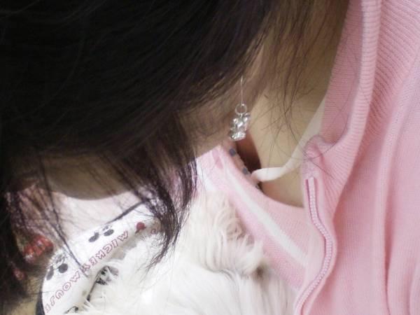 胸チラおっぱい素人エロ画像14