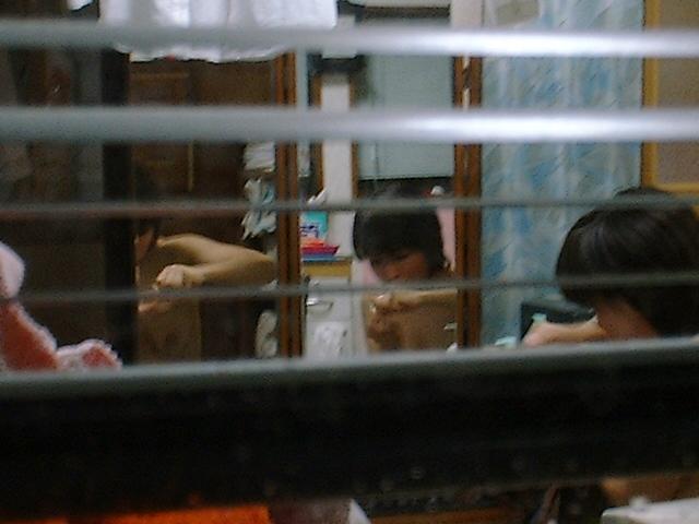 女性の部屋を狙った民家盗撮素人エロ画像14