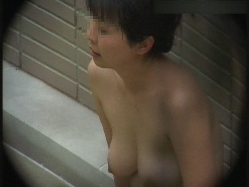 温泉や露天風呂の女湯盗撮画像2