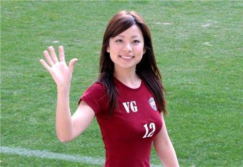 サッカーユニフォーム女子のエロ画像11