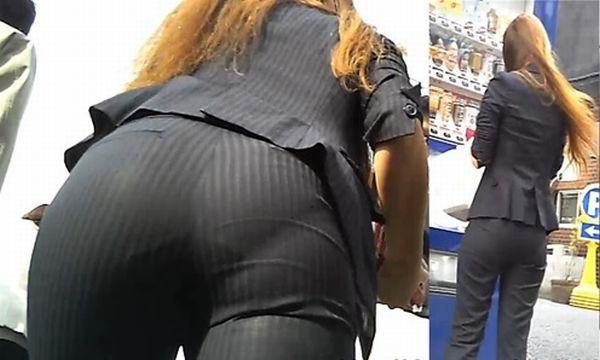 パンツスーツのOLさんのパン線お尻の素人エロ画像000
