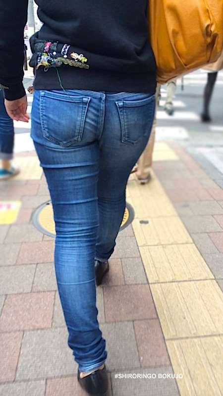 ジーンズのお尻街撮り素人エロ画像09